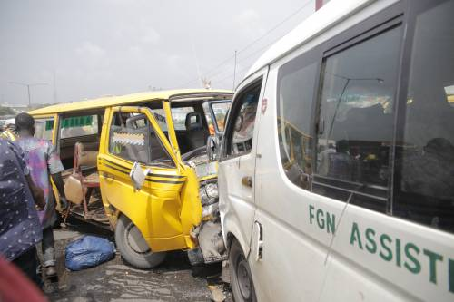 Danfo' Driver Chased By LASTMA Officials Kills One, Injures Eight At Otedola Bridge