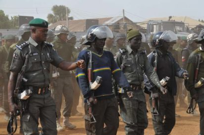 Mobile policemen on Monday in Maiduguri staged a protest over non-payment of theirallowances.