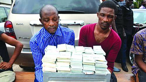 Breaking News :Nigeria Police Arrested Fraudsters Over Fake U.S. Dollars​ At Lagos