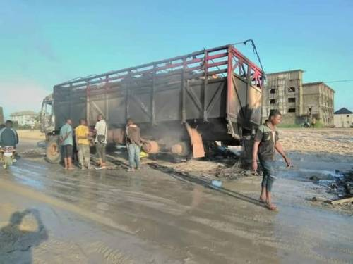Breaking News:IPOB Members Set Trucks On Fire In River State