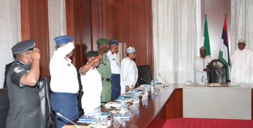 Breaking News : Buhari Meets With Security Chiefs