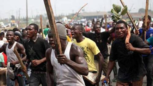 Anxiety : As Thugs Beat Up Traditional Ruler During Peace Meeting In Bayelsa